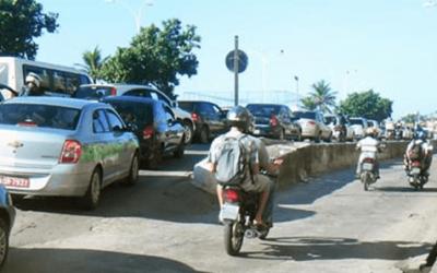 Quais são as multas que causam perda total na CNH de moto