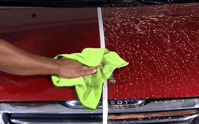 Como lavar o carro a seco