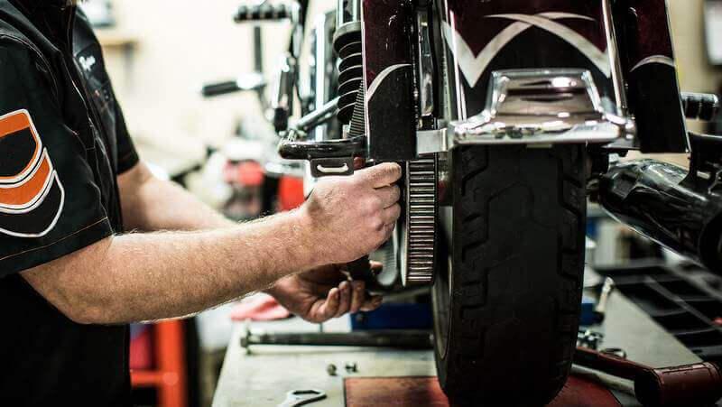 Como montar uma oficina de moto?