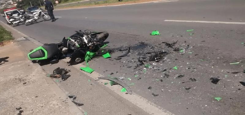 Combinação fatal, moto e celular