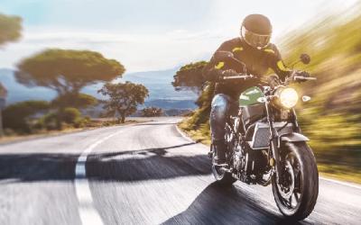 Qual a roupa correta para andar de moto?